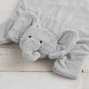 Pottery Barn Elephant Mat 'E'